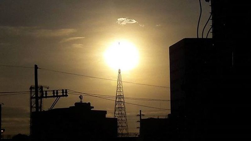 Urbanmetro Sunsets Sun Dusk Tower Burning Fire Localscene Edsa Smnorthedsa Quezoncity Ph