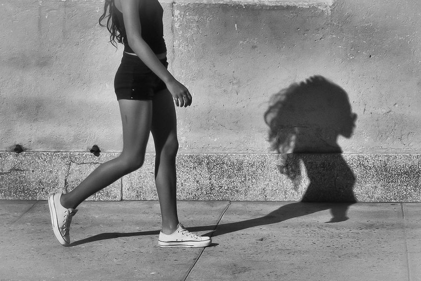 Nice shadow Black & White Cuba Cuba Collection Blackandwhite Blackandwhite Photography Girl Shadow Streetphoto_bw Streetphotography Walking Black And White Friday EyeEmNewHere Press For Progress The Street Photographer - 2018 EyeEm Awards