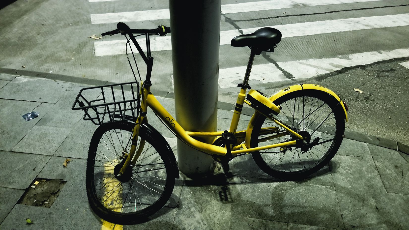 Bicycle Transportation Mode Of Transport Day No People Outdoors Stationary Land Vehicle Close-up Share Bikes Yellow 寂しい
