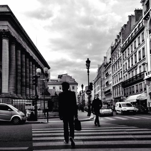 #Paris 979   Untitled Pic taken with #iphone5 #DocumentingDailyLife #Streetphotography #ErosBW #iphoneonly ____________________ And to have a full view of my photography, follow my 100% DSLR account @eros_sana_conventional Streetphotography Streetbw Shootermag Candid