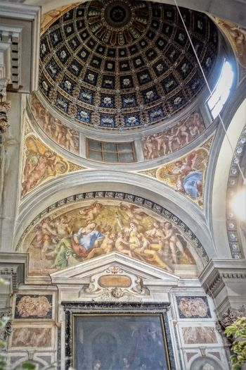 Santissima Annunziata Architecture Basilica Of The Most Holy Annunciation Built Structure Catholic Church Ceiling Cupola Day Dome Fresco Indoors  Low Angle View No People Place Of Worship Religion Travel Destinations
