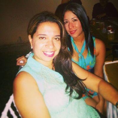 Con mi querida @maryangelina26 en el matrimonio SanabriaMendoza , Compartir amistades que valen oro.
