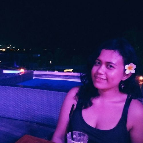 My last night in the beautiful island, Bali. I would love to come back to Bali right away. 👄😍 Traveling Blue Ocean Sky Dining Dinner Kuta Beach Bali, Indonesia Fun Stunning_shots Asian Girl