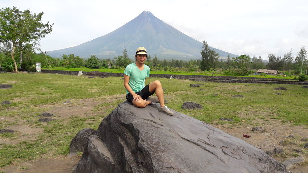 Local Landmark Tourist Attraction  Tourist Destination Albay,Philippines Cagsawa Ruins Mayon Volcano Daraga, Albay Philippines Workandtravel Self Potrait Travel Photography Travelling