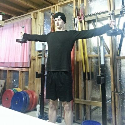 If you want to get the most out of your body, you have to dedicate lots of time to it. Hitting some crucifix holds and strict pull ups while I cook my chicken. Strongman Crossfit Strength Fitness Unbroken Crossfitaustralia Hungry