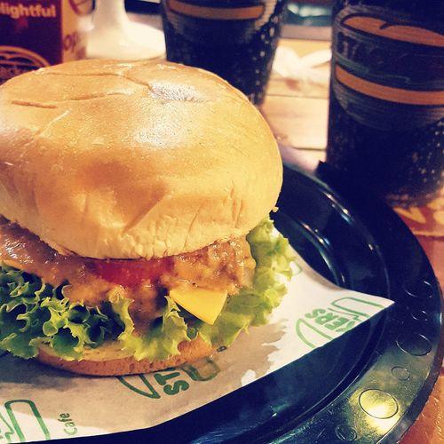 Happybelly Enjoying Life Burger Time Dinner Foodie Foodphotography Foodporn Yummy Somethingtotaste The Foodie - 2015 EyeEm Awards
