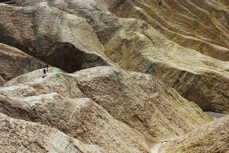Living in Death Valley High Angle View Sand Outdoors Men People Hikingadventures Hiking Trail Offroad Zabriskie Point Desert Death Valley Perspectives On Nature