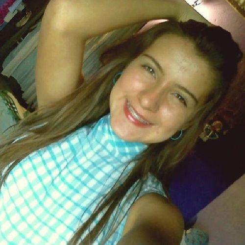 Sonreir en medio de besos, besar en medio de sonrisas. Instamoment Smile Smile_forever Like4like tagsforlikes tagsforfollows