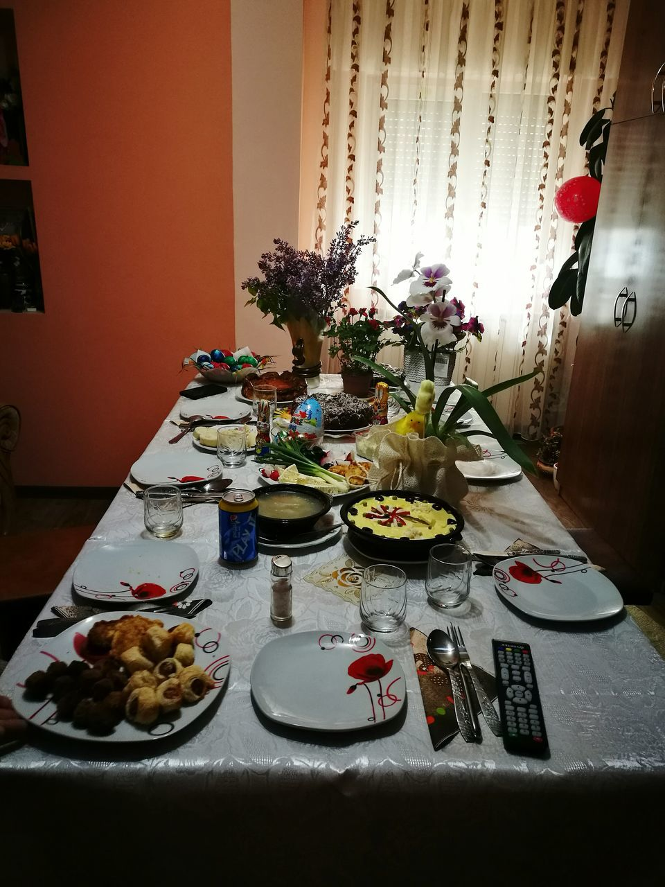 plate, table, indoors, food and drink, food, serving size, dining table, vase, flower, tablecloth, home interior, healthy eating, breakfast, no people, cake, dining room, place setting, bowl, ready-to-eat, drink, freshness, sweet food, day