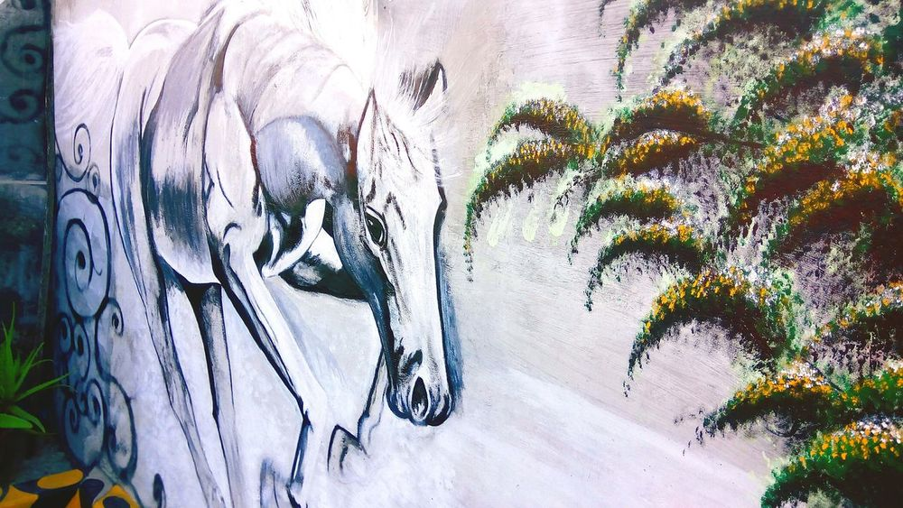 Horse painting in the backyard wall, First Eyeem Photo Architecture Statue Home Showcase Interior Built Structure White Color Homeart Home Interior Whitebuildings Eksterior Horselovers Paint Brushes Painted Wall Paint Brush