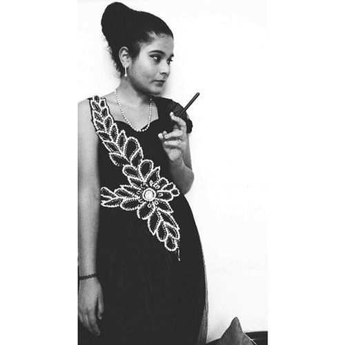 Little black dress👗 ----- Breakfastattiffanys Audreyhepburn Tumblr Illuminateandshine Lfwblogathon Lakmefashionweek Redcarpetchallenge