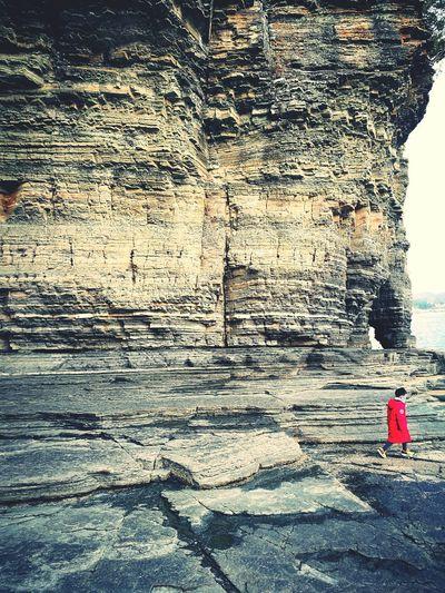 Red Children Cliff ocean