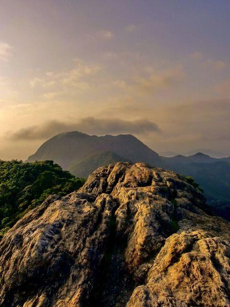 黒髪山 山頂 天童岩 奥に見えるのは青螺山 Nature Photography Tadaa Community Landscape Summit 山頂 黒髪山 佐賀 有田 武雄 伊万里