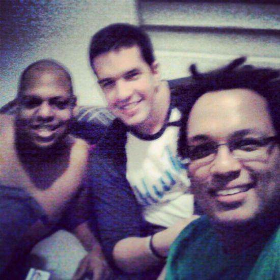 Celebrando a Jay en su cumpleaños, junto con Ricky y yo.