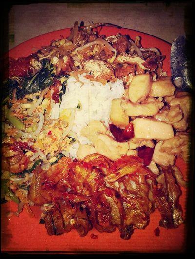 Food Porn Indonesian Food EyeEm Indonesia Indonesian Culinary we called it Indonesian Mixed Rice.. yummiieeee...