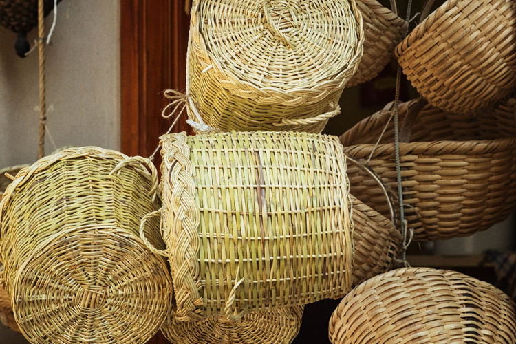 Basket Shop Abundance Arrangement Background, Bamboo, Basket, Brown, Cane, Circle, Close, Color, Container, Craft, Decoration, Decorative, Design, Dinner, Easter, Empty, Handle, Handmade, Illustration, Isolated, Kitchen, Lunch, Natural, Nature, Nobody, Object, Objects, Old, One, Organic,  Backgrounds Basket Close-up Collection Design Focus On Foreground Full Frame Hamper, Creel, Pannier, Bushel; Wicker Basket; Mocuck In A Row Large Group Of Objects No People Repetition Retail  Side By Side Stack Still Life Wicker