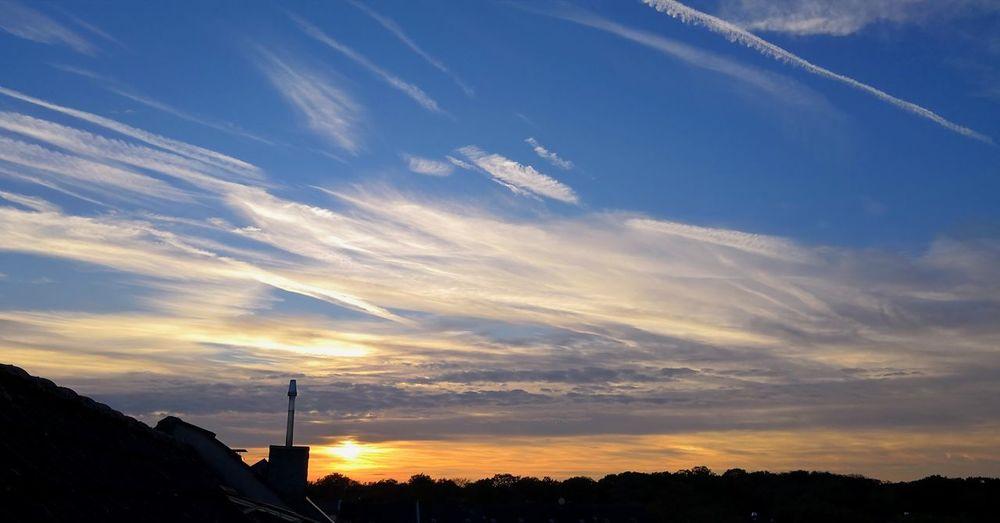Der Himmel über Krefeld Uerdingen Uerdingen Krefeld Dramatic Sky Sky Only Romantic Sky Lightning Moody Sky Atmosphere