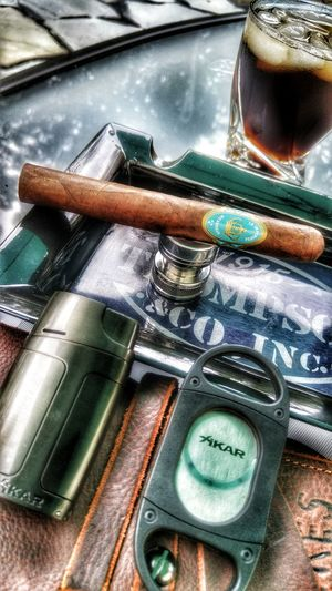 Low Angle View Cigarsociety Cigarart Cigarlovers Cigars Cigarlifestyle Cigarphotography Cellphone Photography Crowned Head Cigars