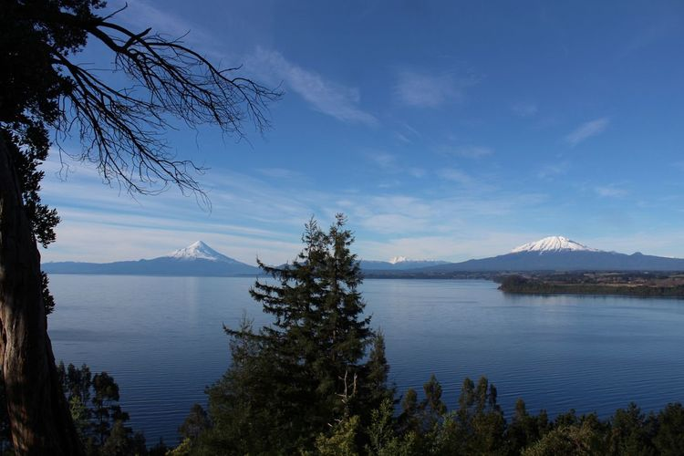 Scenics Cloud - Sky Travel Destinations Tree Mountain Landscape Water Tranquility Beauty In Nature Tranquil Scene Outdoors Sky Blue Nature Day Lake No People Architecture Lagollanquihue Surdechile!