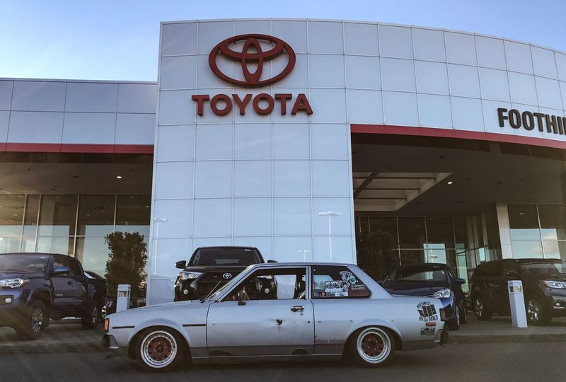 Car Architecture Communication Retro Styled Toyota Toyota Corolla Te72 Old School E7 Corolla Brotherhood Corolla Toyota Life Classic Car Always Reckless Collector's Car