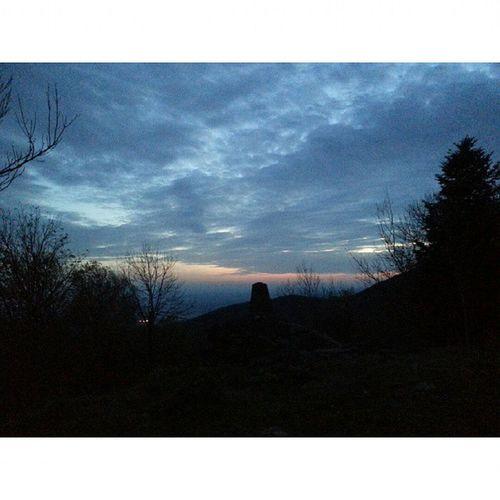 Perdu En Montagne Nuit