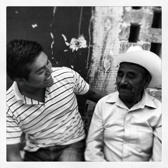 Abuelo Cool Nice Loextraño grandfather parents hat cute laugh