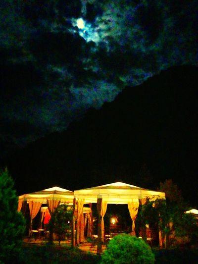 mezar taşı. Wine Tasting Nature Relaxed Atmosphere