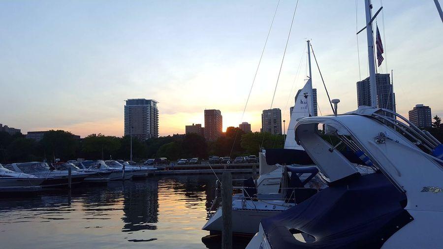 Post race. Sailing On A Boat! Lake Michigan City Water Skyscraper Urban Skyline Modern Silhouette Sky Architecture Building Exterior Cloud - Sky Skyline Urban Scene