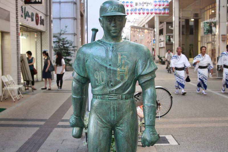 Abusan Comic Manga Statue Canon EOS 7D Cool Japan Streetphotography Nightphotography