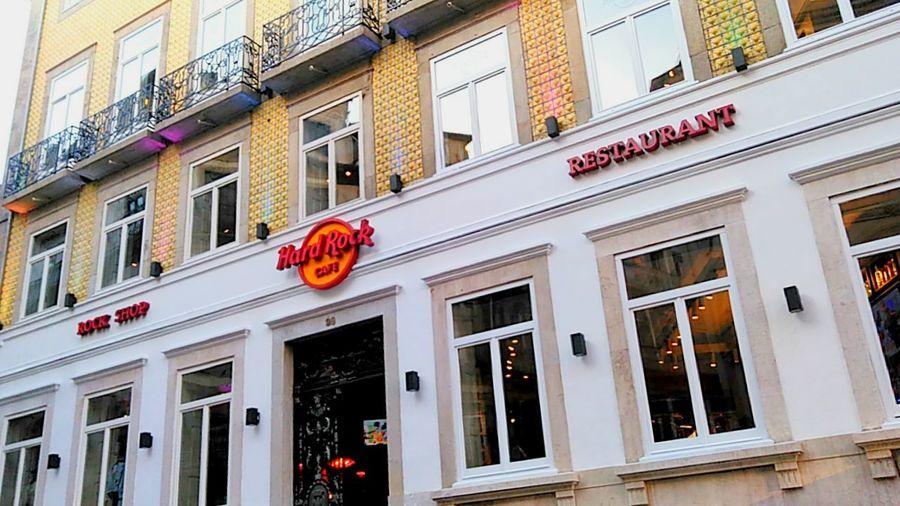 Hard Rock cafe... Architecture Building Exterior Window Built Structure History Winter Oporto City Outdoors Hardrock Hardrockcafeporto Oporto, Portugal Close-up Cityscape Excellent