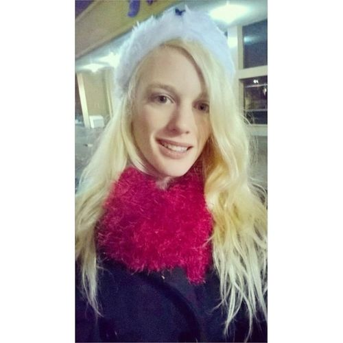 🎵 Walking In A Winter Wonderland ❄⛄🎄 Lhdc Santaclause Parade Love Winter Nights  Blonde Hair Blue Eyes Muchmorethanbeauty Bhbeautyselfie Photooftheday 20likes Cute Cold Girl Colorful Christmas Style