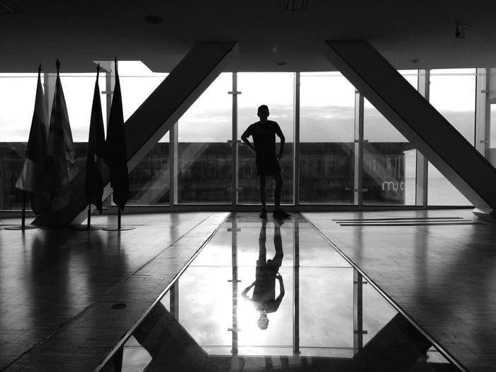 """"""" Run everywhere """" with my friend Nicolas. Getting Inspired Shootermag Silhouette Eye4photography  EyeEm Best Shots - Black + White Urban Lifestyle Open Edit Cityscape Light And Shadow Architecture"""
