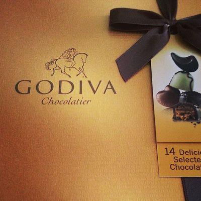 Sobremesa Godiva Chocolate para acompañar un Vino i un buen brandy