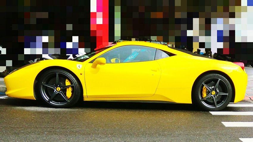 是 Uber~😁😁😁 Ferrari Uber フェラーリ ウーバー 페라리 우버 法拉利 優步