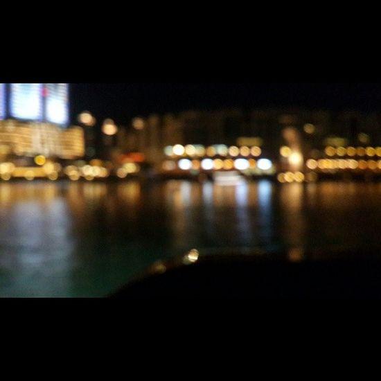 حبيت هاللقطه بوسط بحيرة برج خليفه والجو بااارد ⛄?
