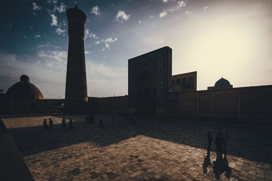 Beautiful view of the Kalyan minaret at sunset ... Bukhara Buxoro Buhara Uzbekistan Minaret Traveling Architecture Sky People Urban Old Town Urbanphotography Fujifilm_xseries Fujifilmru Travel Fujifilm X-t20 Xt20