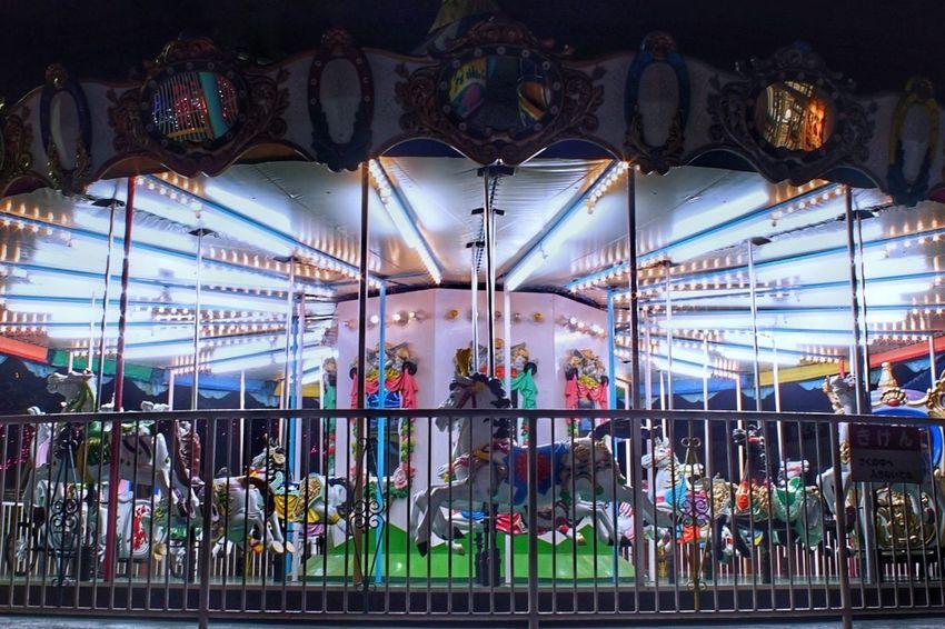 メリーゴーランド Merry Go Round Carousel Illuminated Night Amusement Park Night Photography Night Lights Outdoors Animal Representation From My Point Of View 遊園地