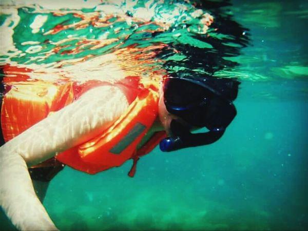 Underwater Photography Life Is A Beach Beach Life Share Your Adventure Travel HundredIslands Snorkeling Beach Junkie The Adventure Handbook