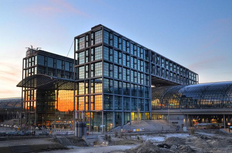 Exterior Of Berlin Hauptbahnhof Against Sky During Sunset In City