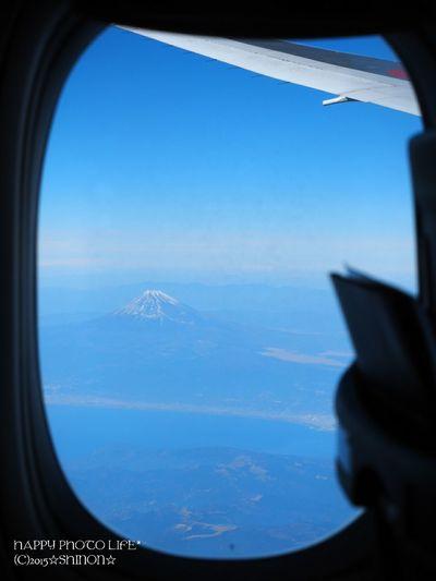富士山 Mt.Fuji 青空 空 飛行機からの空 Airplane Sky Blue Sky Sky And Clouds Japan Olympus Olympus倶楽部 Olympusomd Olympus OM-D EM-1 Om_d E_M1 ファインダー越しの私の世界 写真を撮ってる人と繋がりたい 写真好きな人と繋がりたい Hello World Enjoying Life Sky View