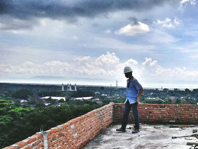 Long Live The King Helloworld Taking Photos EyeEm Indonesia Eye4photography  Bricks In The Wall Highrise Working Hard Construction Mosque Verandaview