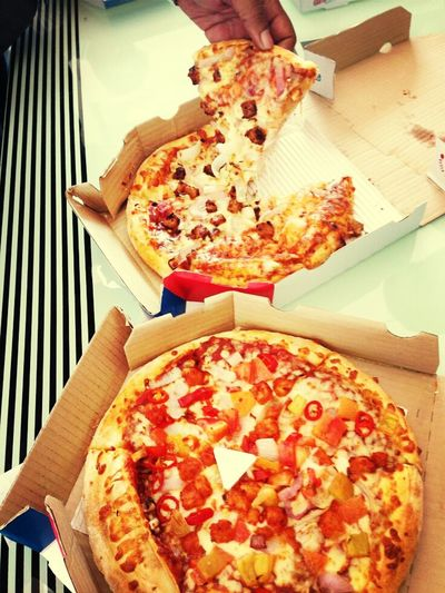 Having Lunch Pizza <3 Eating In Canteen SharingIsCaring :P