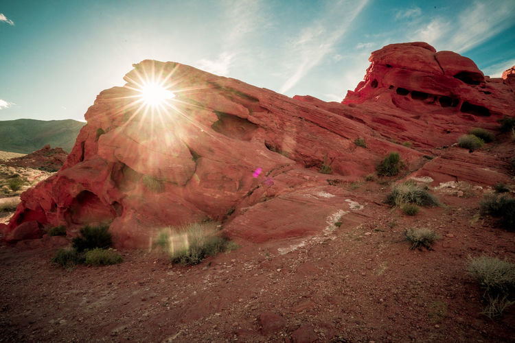 Desert Rays Landscape Mountain Outdoors Sunlight Scenics Rock - Object Nature Travel Destinations Beauty In Nature Day Sky No People Modern EyeEm Selects Backgrounds Background landscape Nature photography Landscape_Collection Sun Sunrays sunrays Light Redrock Arch Arch Redrocks Redrock Valley Of Fire Nevada
