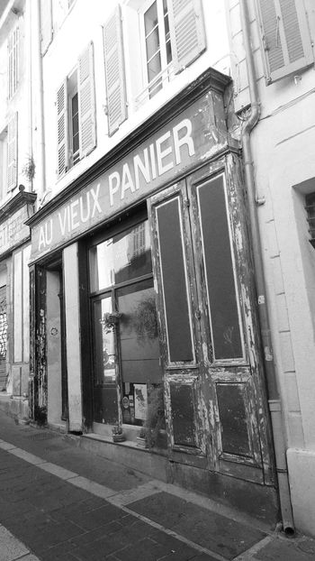 Old Village Street Photography Streetphotography Streetphoto_bw Old Buildings Bnw_collection Marseille Je T'aime Choose Marseille Marseillerebelle Old Shop Welcome To Black The Street Photographer - 2017 EyeEm Awards EyeemInMarseille