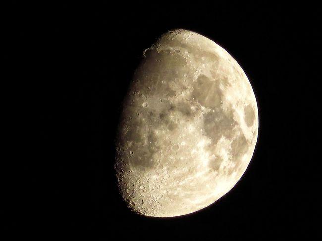 月 夜空 星空 月明かり Moon Astronomy Moon Night Space And Astronomy Planetary Moon Moon Surface Beauty In Nature Full Moon Circle Space Exploration Scenics Half Moon Nature Majestic Space Crescent Moonlight Canon Powershot Sx720hs