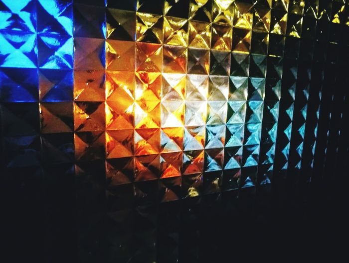 Light Through Glass Blue Orange Color Yellow Color Multi Colored Illuminated Backgrounds Full Frame Close-up Refraction Triangle Shape Distorted Image Geometric Shape Diamond Shaped Rectangle Triangle Hexagon Pattern Spectrum