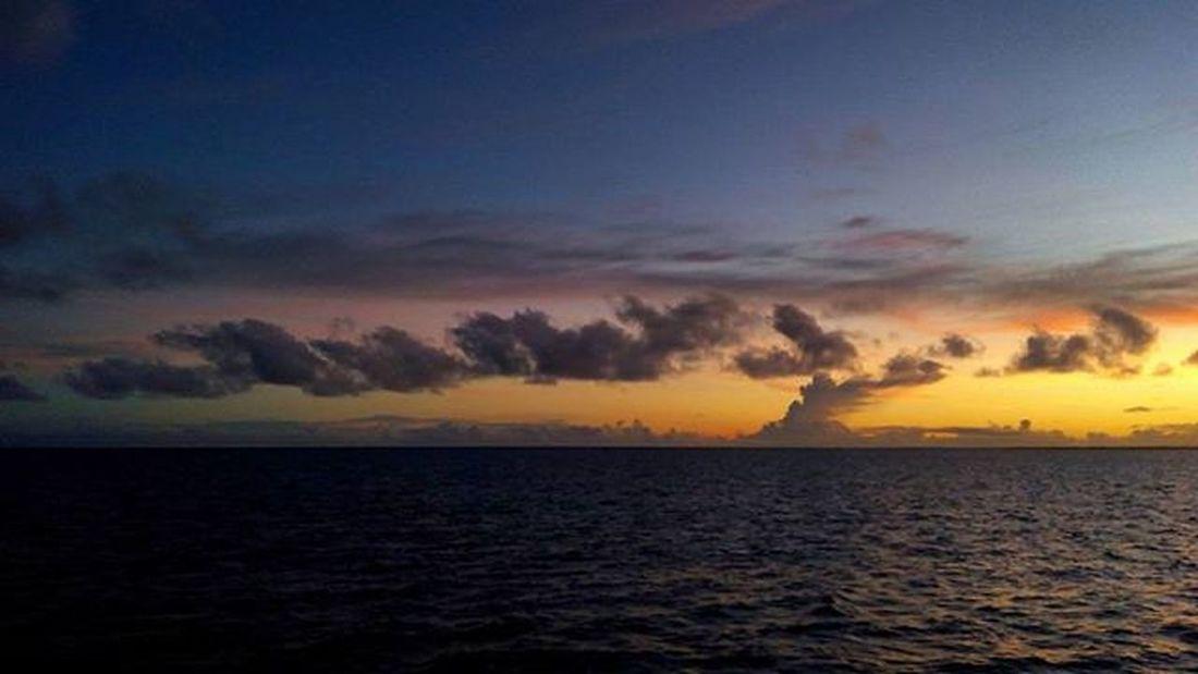Sunriselovers Sky Cloudslovers Perairanaru Picoftheday Photooftheday Naturelovers Natgeoindonesia Indonesiakeren Indonesiatimur 1day1klick Wepe67photography