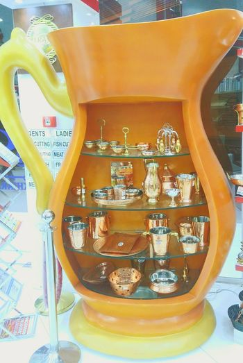 Indoors  Displayshelf Eyem Gallery Eyem CollectionNo People Shopping Mall Day Close-up EyeEmNewHere Jars In A Row Plates And Bowls Food And Drink Windowshopping The Street Photographer - 2017 EyeEm Awards The Architect - 2017 EyeEm Awards