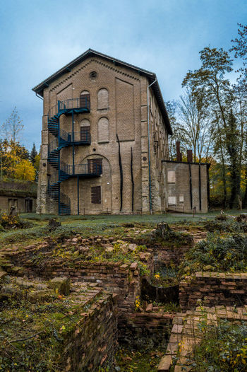 Awesome house Augustaschacht Osnabrück House Architecture Built Structure Outdoors Abandoned The Past Place Of Worship Religion Day Nature Building No People Building Exterior Plant Spirituality Grave Tree Sky Old History Belief