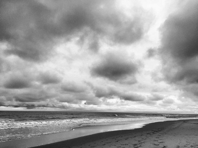 Rainy beach day Check This Out Taking Photos Photoshoot Beach Life Landscape ClayHaynerPhoto Love My Job Photooftheday Travel Advertising Traveling Beach Photography Clay Hayner Photo Clouds Blackandwhite Art Travel Photography Storm Beach Photography Travel Destinations Virginia Beach Travel And Leisure Taking Photos Travelphotography